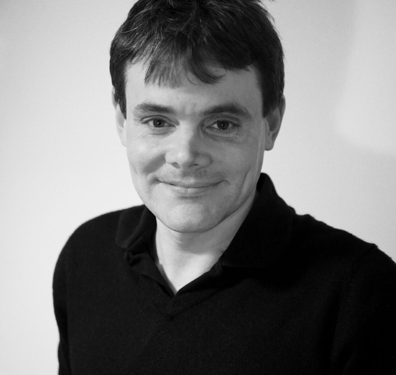 Dr Neil Carrier