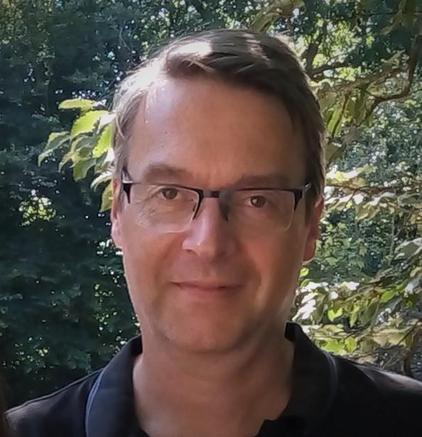 Professor Markus Damian