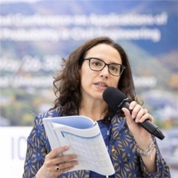 Dr Flavia De Luca