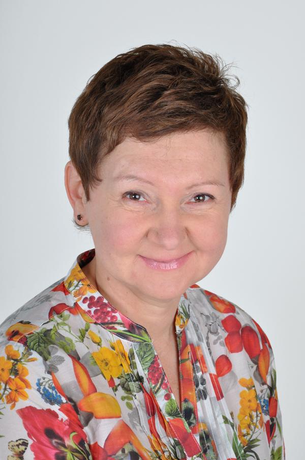 Dr Natalia Lewis
