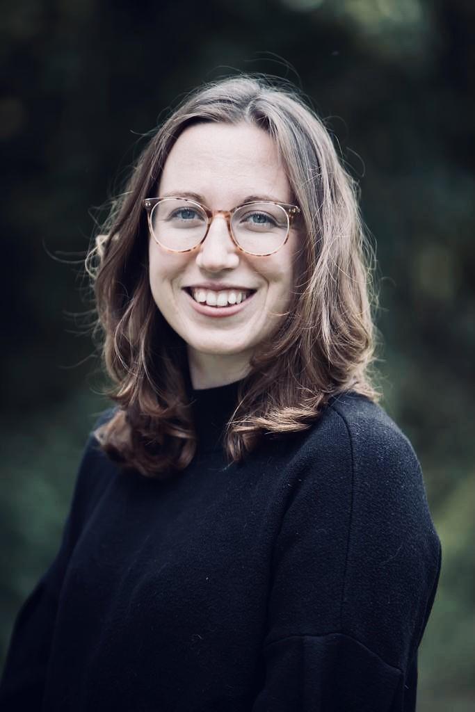 Dr Emily Nixon