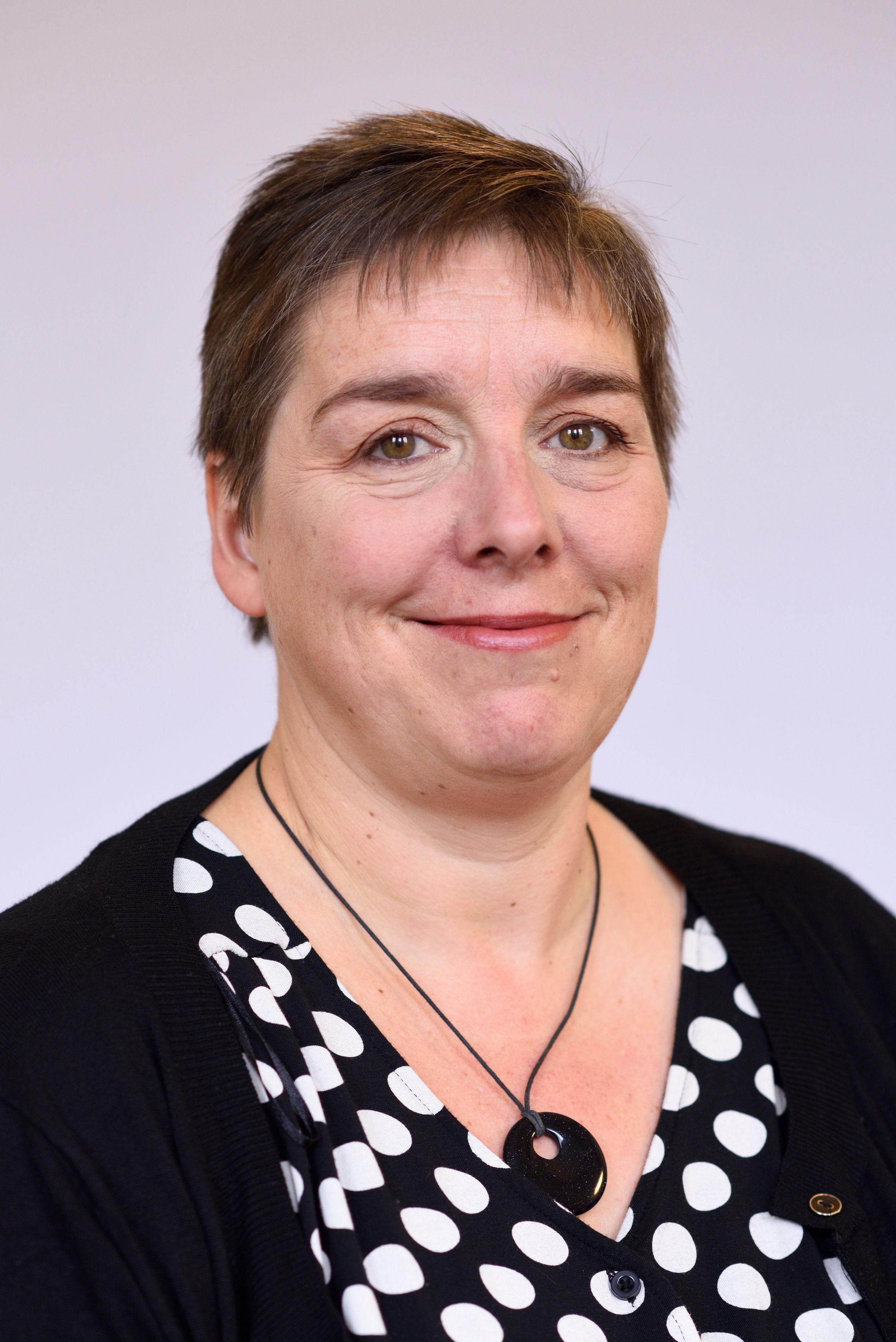Mrs Beth Tarleton