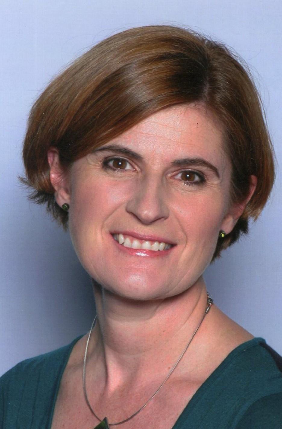 Dr Yvonne Wren
