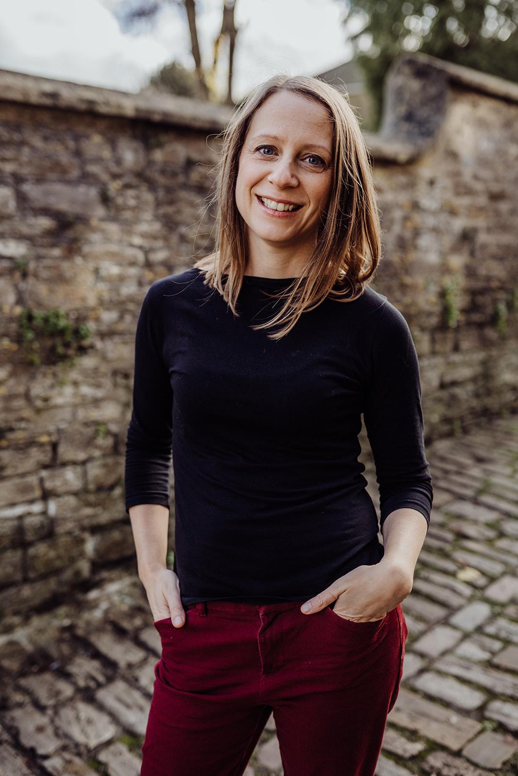 Dr Anna Pease