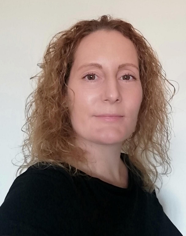 Dr Deborah McCahon